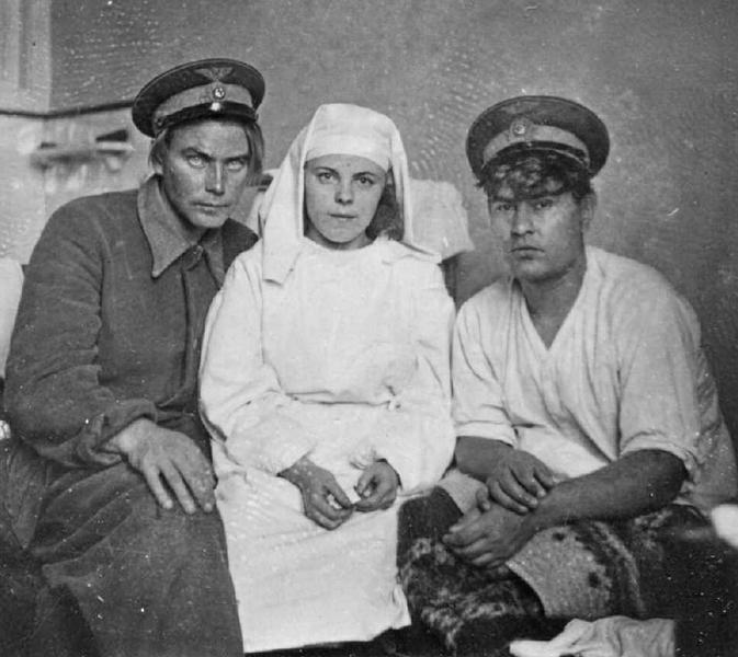 А. Маресьев в госпитале