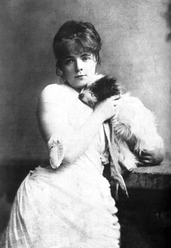 Мария Башкирцева с одной из своих собак